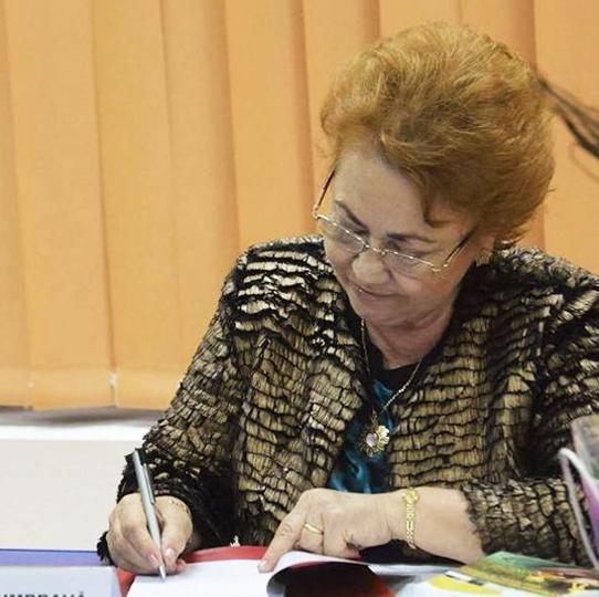 Angela Dumbravă